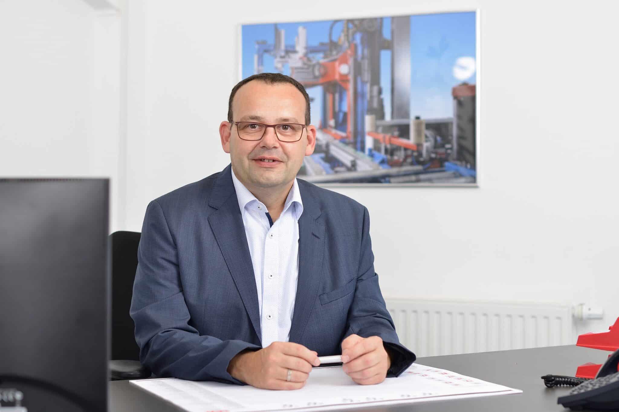 Dr. Volker Kebbel - Geschäftsführer - Managing Director
